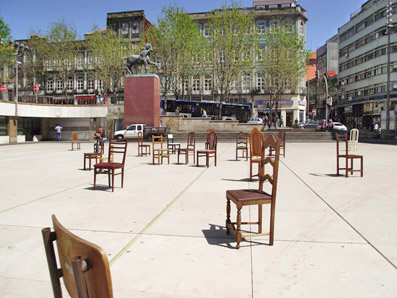Bring Your Chair to the Square Micro Atelier de Arquitectura e Arte